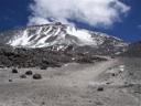 Vista del Nevado Ojos del Salado desde el refugio Tejos