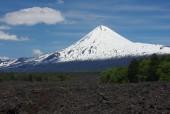 Llaima desde río de lava