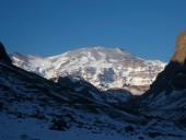 Volcán San José en Atardecer Invernal