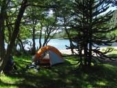 Lugar para acampar junto a la playa