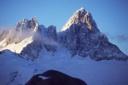 Cerro Agudo, se notan sus dos cumbres, siendo la mas al Este la mas importante.