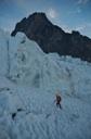 En el glaciar, buscando pasada por la derecha