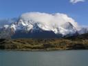Paine Grande bajo nubes