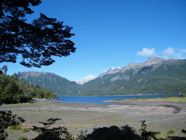 Lago General Pinto Concha