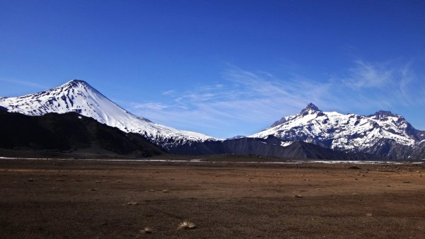 Volcán Antuco y Sierra Velluda