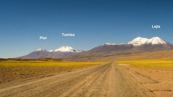 Volcanes Tumisa y Lejía.