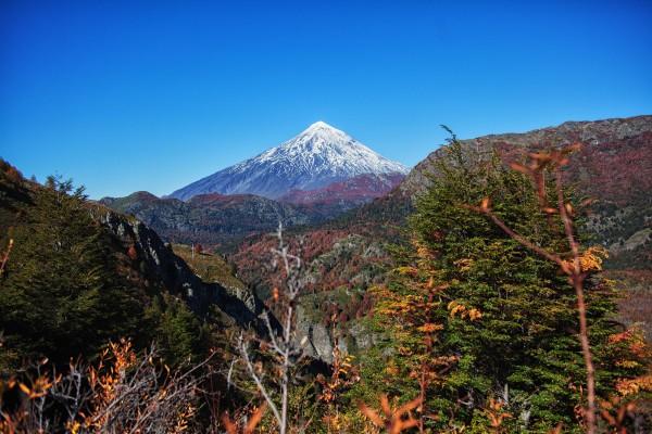 Volcán Lanín otoñal