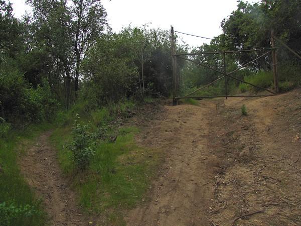 Inicio del sendero sector Los Claveles