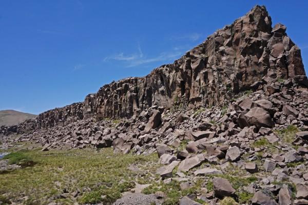 Paredes de basalto del valle de los Cóndores