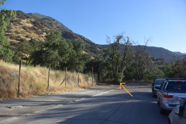 Estacionamiento calle Alto del Polo e inicio sendero