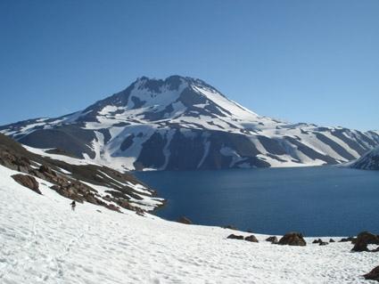Volcán Planchón y lagunas de Teno