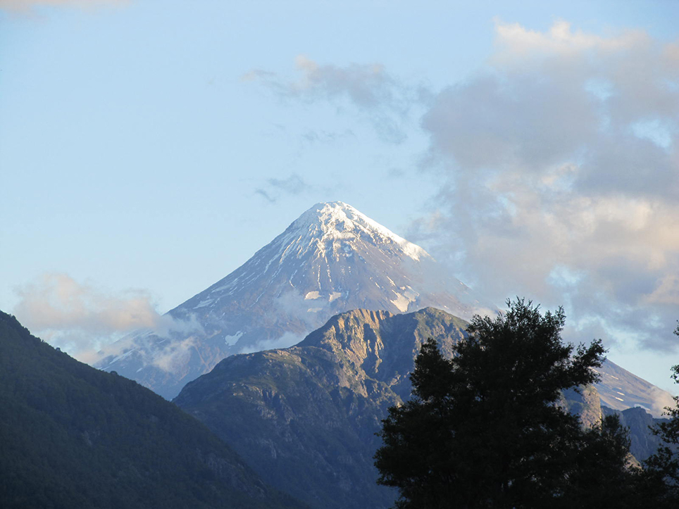 Volcán Lanín desde Sector Puesco