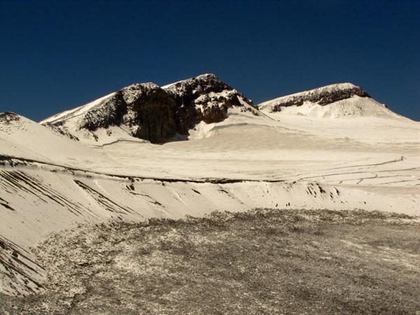 Punta Meier y Nevado Sin Nombre