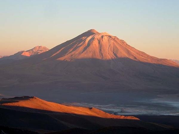 Volcán Paniri al atardecer