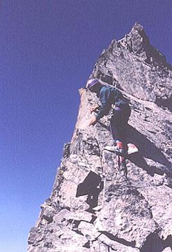 La escalada final.