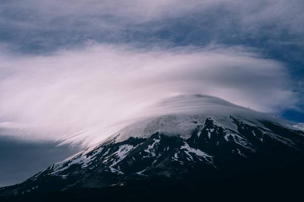 Parinacota y nube lenticular