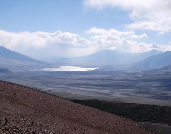 Vista hacia el poniente, con Laguna Verde como telón de fondo